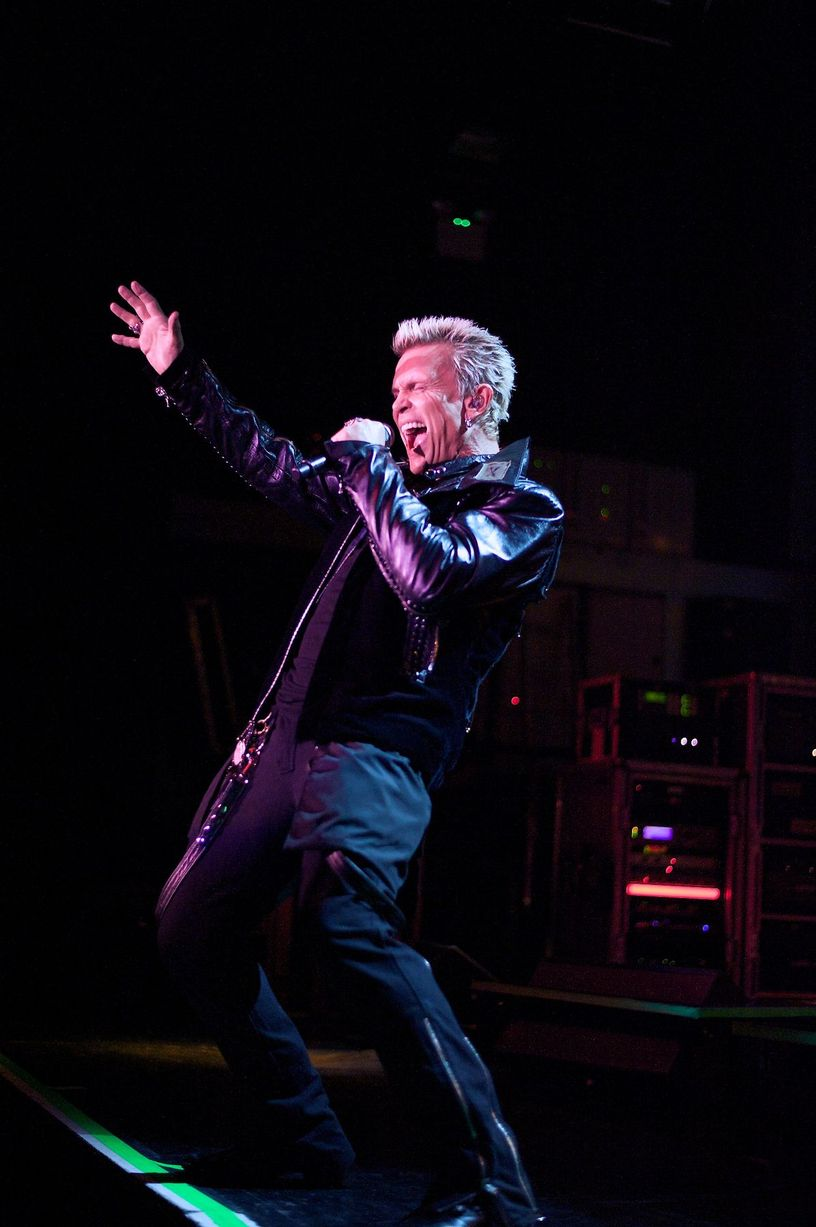 05-11-14-REVIEW-BILLY-IDOL-1