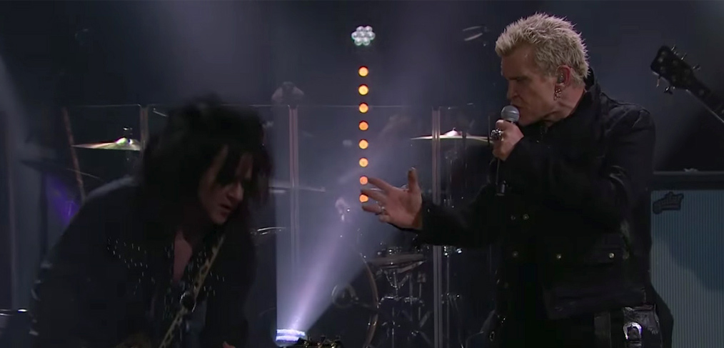 watch idol on the late late show billy idol. Black Bedroom Furniture Sets. Home Design Ideas